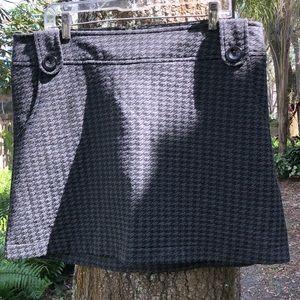 Torrid Grey Black Houndstooth Skirt Career Buttons